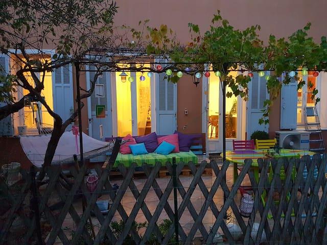 Haussmannien vintage avec jardin en bord de mer - La Seyne-sur-Mer - Apartment