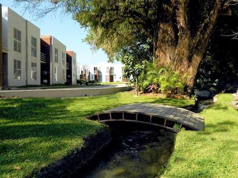 Casa Bosque de Galerias cerca de HaciendaSanGaspar