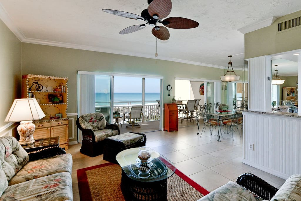 Let the stress melt away when you stay in this beautiful, beach-themed, condo.