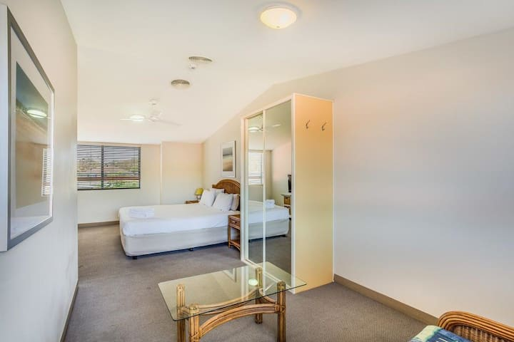 Nelson Bay Breeze Holiday Apartments