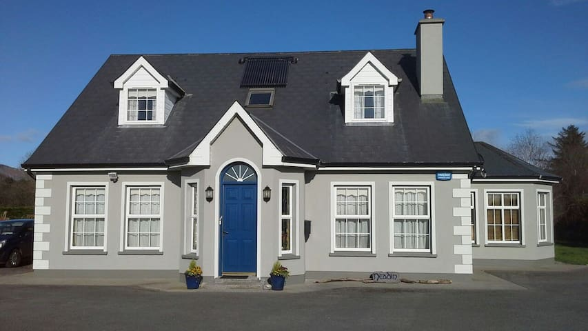 Twin room + bathroom with breakfast - Ballincar - Hus
