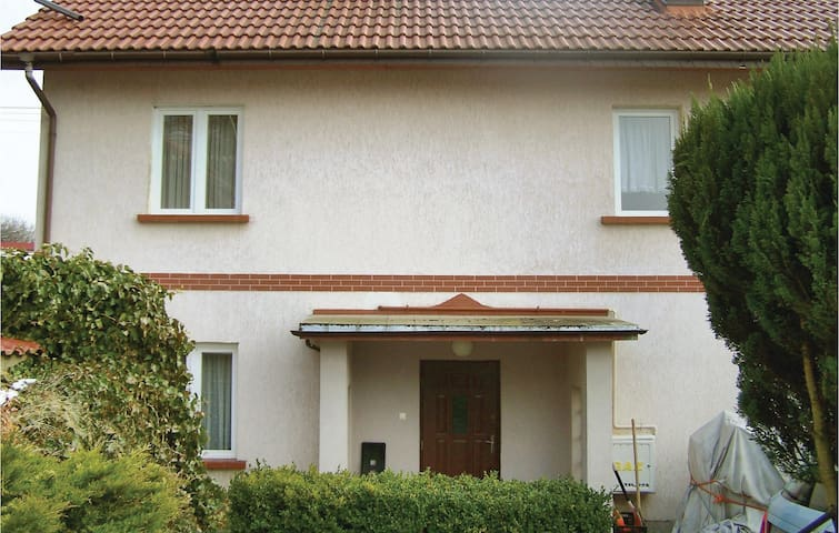 Holiday cottage with 3 bedrooms on 195 m² in Biesiekierz