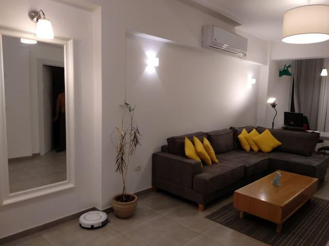 Renovated 3 rooms Apt. ideal Tel-Aviv vacation.