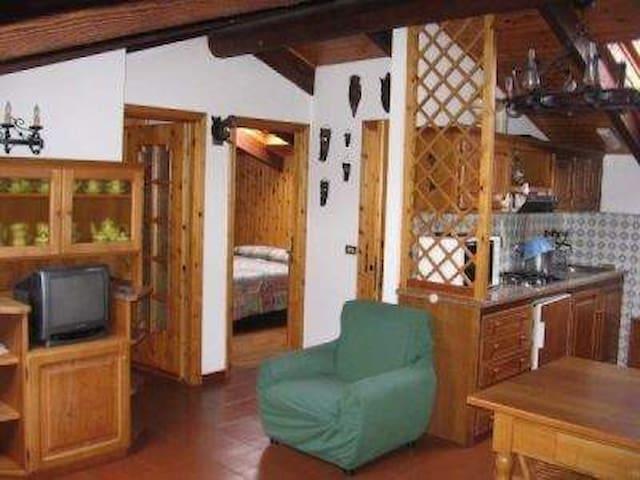 Mansarda rivestita in legno - Santo Stefano d'Aveto - Dom