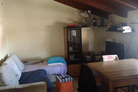 Graziosa mansarda nel centro di Maranello - Provincia di Modena - Wohnung