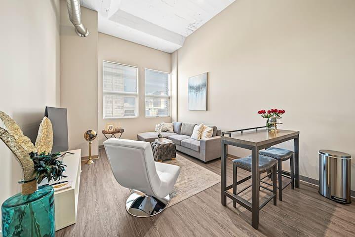 Luxury McCormick Loft