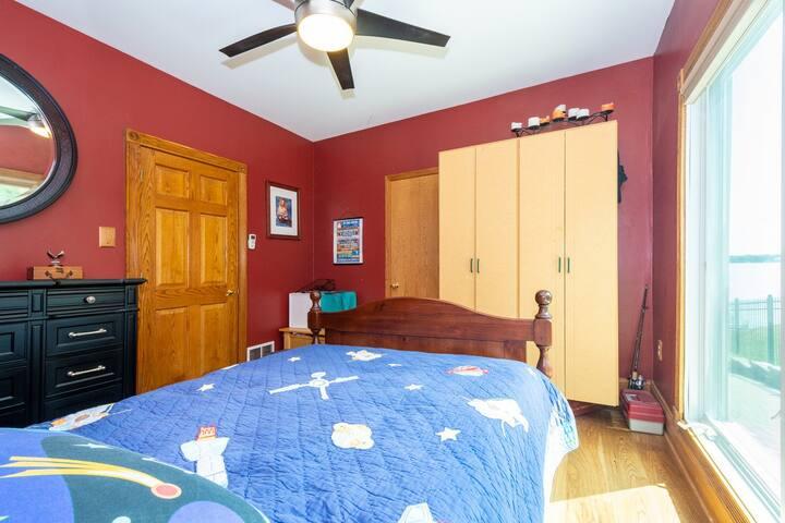 Bedroom #3: Main Level