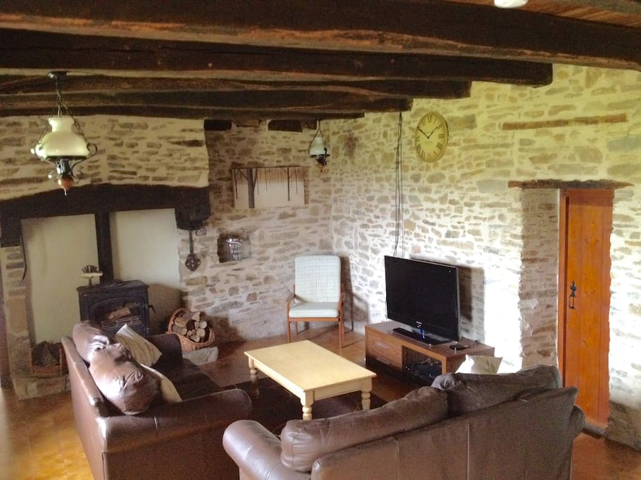 Living/dining room (with log burner)