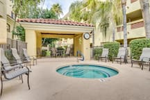 Comfort and Style in the Phoenix Biltmore Area!