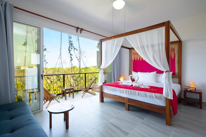 Eco Luxury Honeymoon King Suite 100% Ocean View