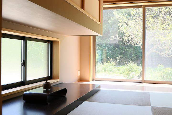 Modern Japanese in Classic Picturesque Setting - Shunan - Bed & Breakfast