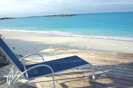 Beach Front House & Cottage - Great Exuma Island - Maison