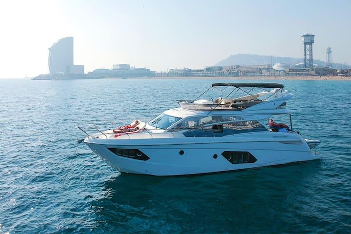 Unforgettable accomodation in a Luxury yacht