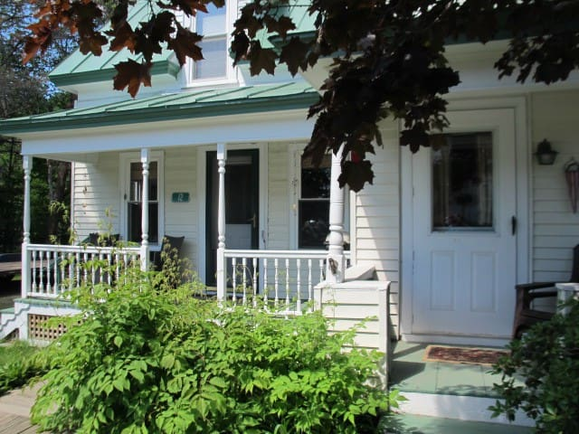 Spacious High St home, within walking distance to downtown Rangeley