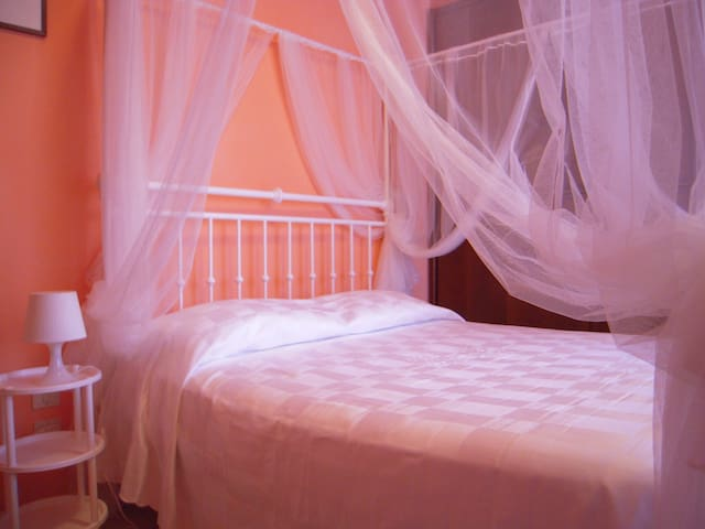 Sweet lovely Room - Bed & Breakfast Sandy - Figline Valdarno