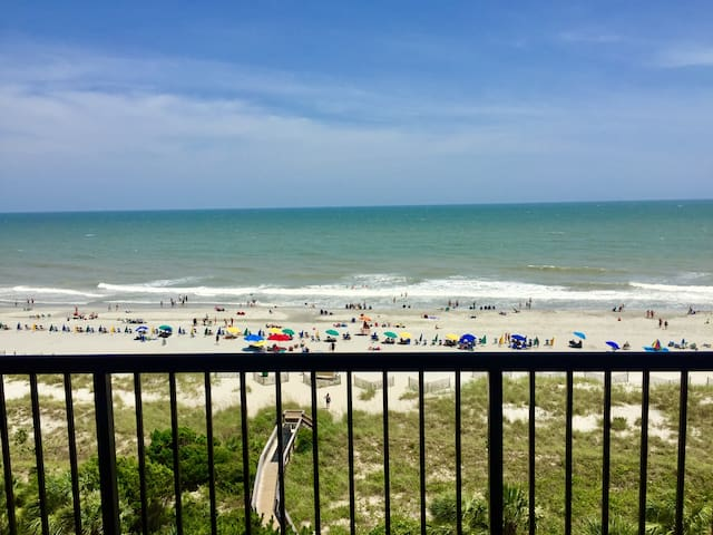 Oceanfront 1 bedroom suite at Beach Colony Resort