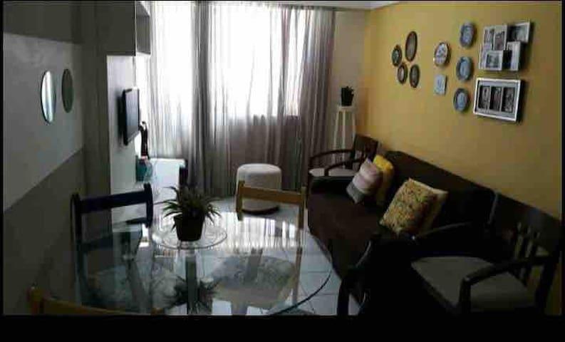 Excelente apartamento com ótima localização.