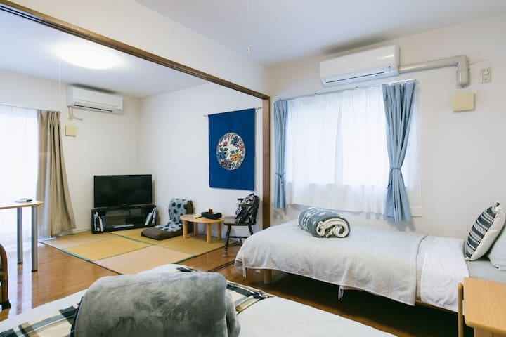 [The Y room 103] Comfortable beds、58号線沿い、本島中部の旅に便利