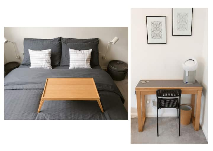 King Size Bed + Transport Links + Clean Cosy