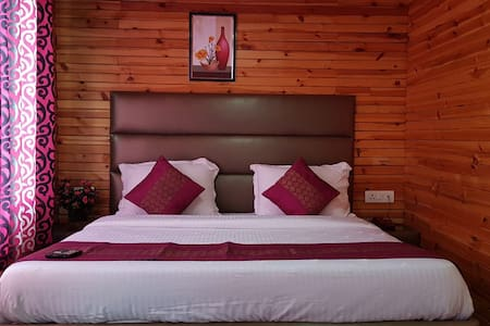 King Deluxe Room At Patnitop