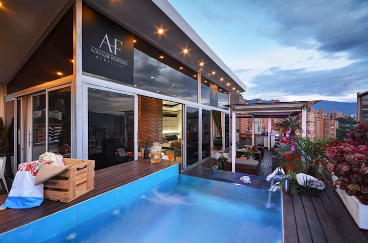STUNNING 2FLR BOUTIQUE PENTHOUSE - Medellin  - Pis