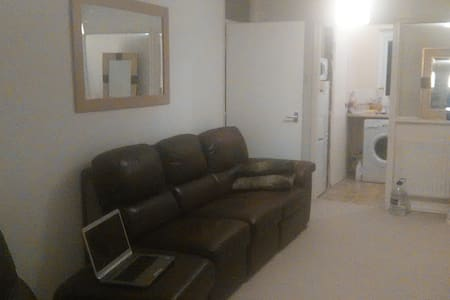 Room to rent for short stay - Winslow