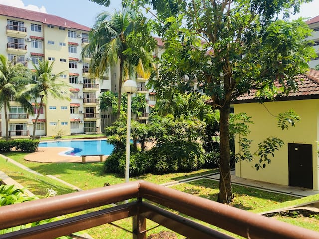 Apartment 3 bedroom with Garden and Pool view