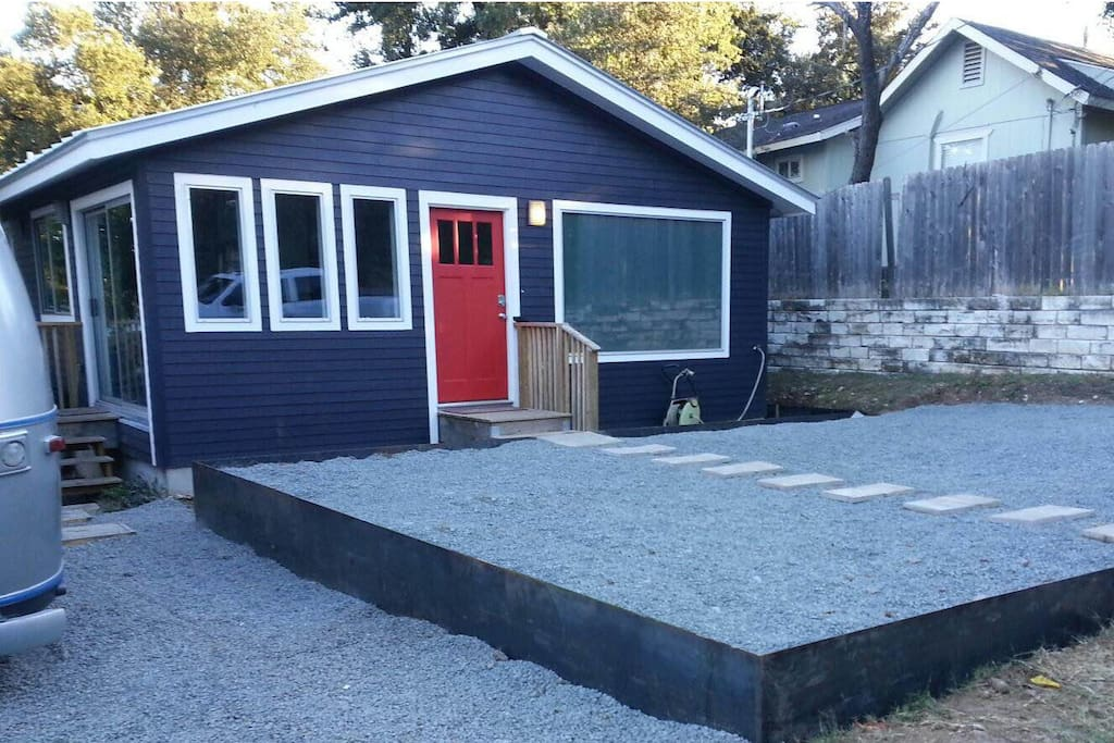 Front of House, landscaping in progress