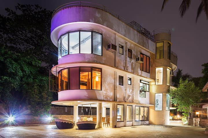 Vista Rooms Boulevard Villa,4BHK Plunge Pool Villa