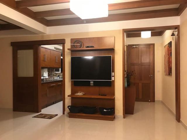Luxury Premium serviced Apartment with sea view