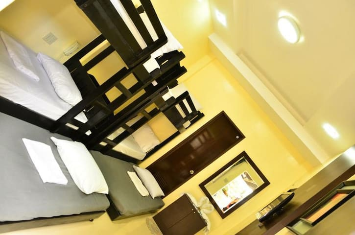 EL Renzo Tagaytay 2Double Deck Beds - Alfonso  - Bed & Breakfast