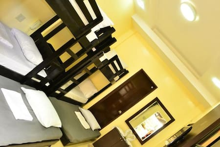 EL Renzo Tagaytay 2Double Deck Beds - Alfonso