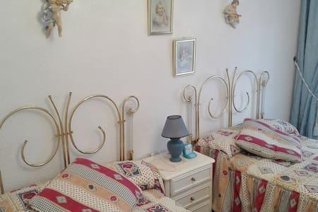 Piso de 3 habitaciones en Santoña - Huoneisto