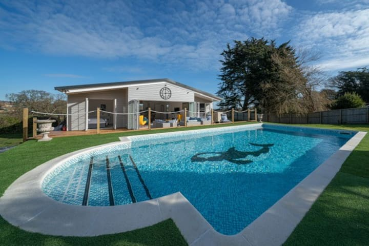 Three Bedrooms With Own Pool Isle of Wight.