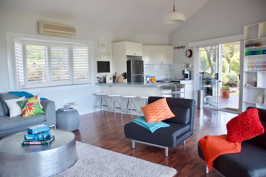 Murewa garden retreat villas for rent in canberra for E bathrooms fyshwick