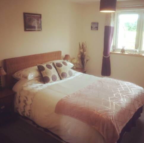 Homely private room with stunning country location