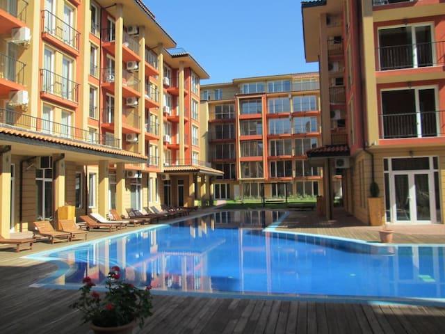Уютная студия для комфортного отдыха - Burgas - Apartamento