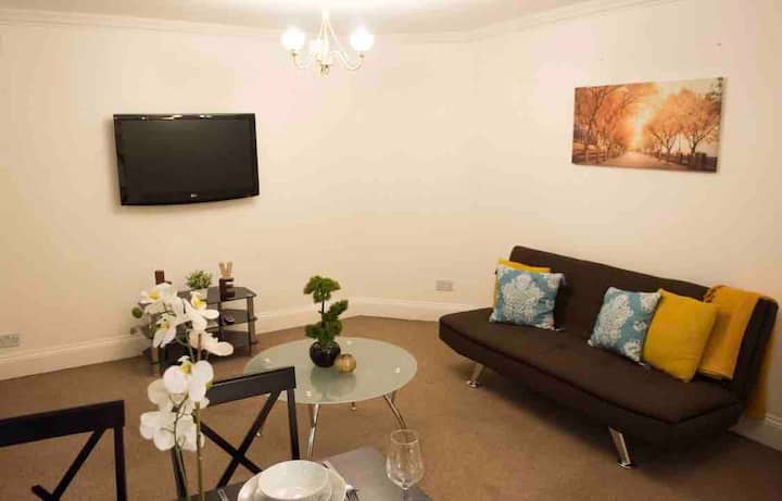 City Center Apartment 2 min from Tube station