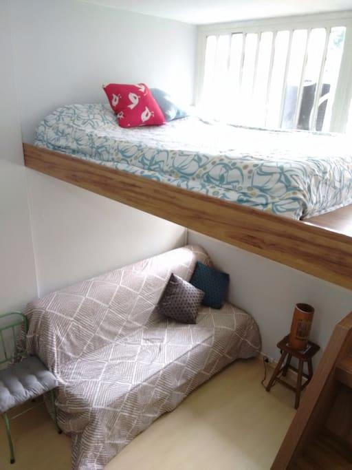 Mezanino com sofá cama