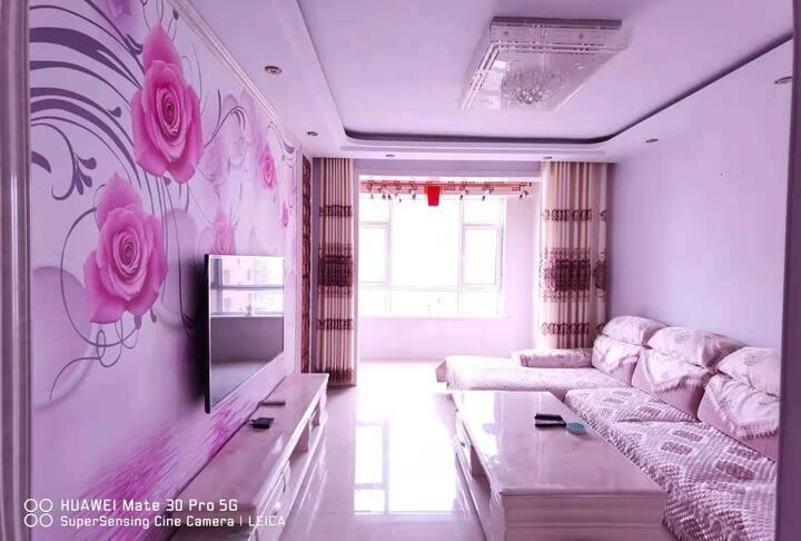 赫本民宿贰号.致敬青春   近集宁南高速入口,北京向西一步就是乌兰察布,神奇土地上的精装整套大宅