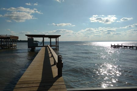 2400sf Lakefront Home w/pier & boat dock/sleeps 14 - Livingston - Ev