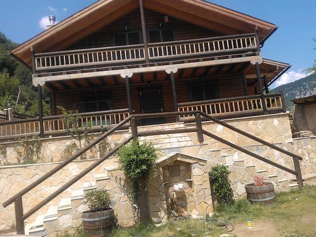 Ενα ιδιοκτητο διωροφο σαλε - Klepa - Apartemen
