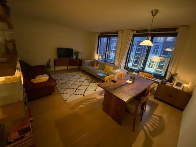 Spacious apartment in de Pijp