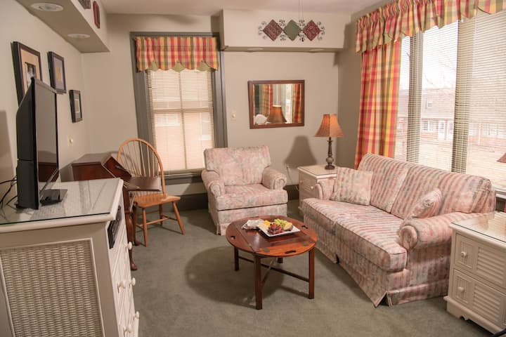 Merlot Suite - Grape Arbor Bed and Breakfast