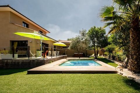 Villa climatisée, jardin, Piscine & SPA