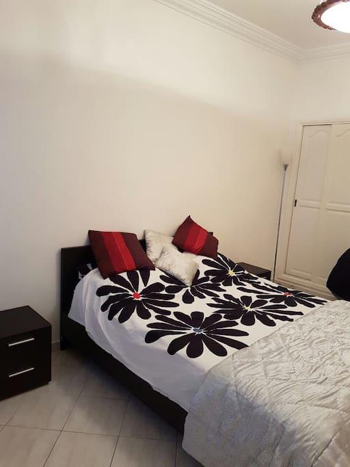 Chambre à coucher 2