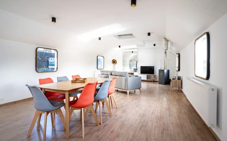 Arcadia - Luxury Houseboat in Namur Center