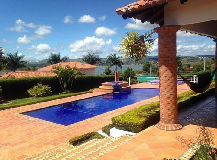 Villa Lago Calima