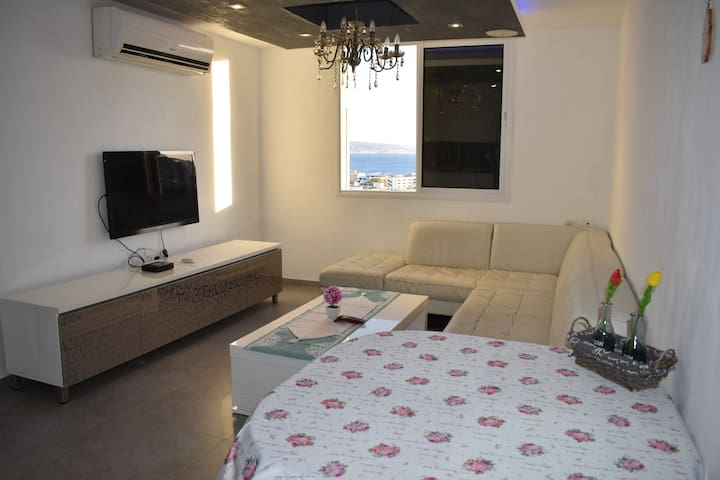 Center of Eilat luxury apartment