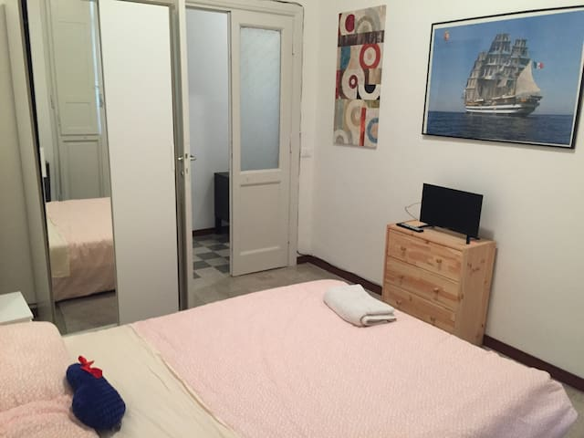 Room in Rome with private bathroom - Rom - Lejlighed